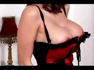 Brunette strip teasing and playing with toy dick redxcams com