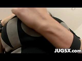 Dayna vendetta spreads her legs