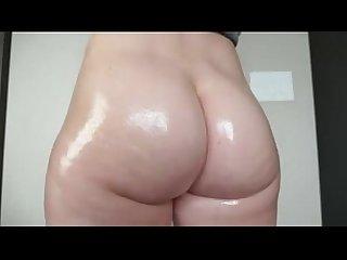Beautiful white ass flexing and bouncing on webcam cam girlhotties com