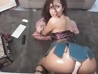 Wonder woman fucks a dildo on webcam