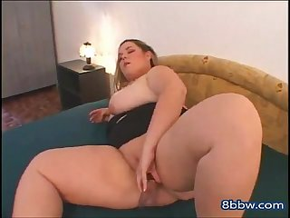 Delicious Fat BBW Teen Masturbating Her Wet Shaven Pussy - 8bbw.com