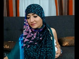 Maleena A muslim hijabite shows off her nice tits and big fat ass more on 366cams period com