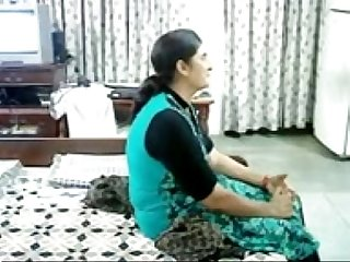 Beautiful matured punjabi lady fucked by her old lover