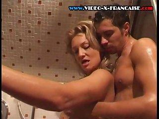La baise sous la douche