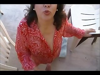 Exxxquisito blowjob en el patio