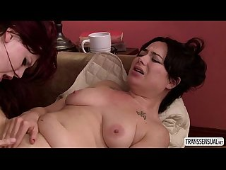 Shemale Chelsea likes with milf sexy Siouxsies hot huge ass