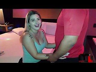 Após encontro Mônica Lima se agrada com fã e o leva ao motel. (Surpresa no RED)