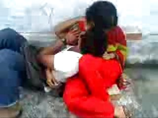 Bangladeshi school guy romance in park with bangla audio wowmoyback