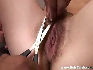 Shaving a Pussy to Perfection
