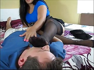 HJ with smelly feet - clips4s.blogspot.com