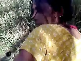 Desi cute village girl fucked in field