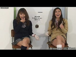 Japanese femdom give handjob and Cunnilingus to slave for cash