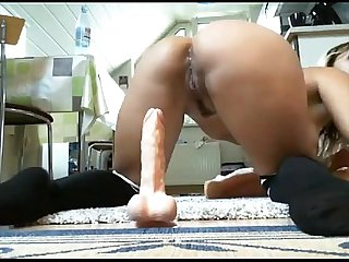 Dea riding toy anal