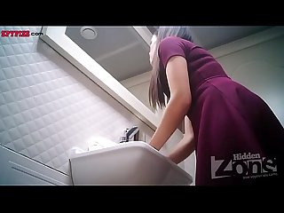 Hidden cam in toilet comma women pee 2564