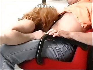Milf italiana scopata in ufficio italian milf fucking the office