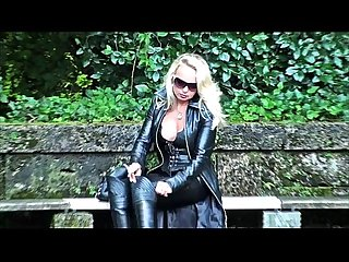 Fetish vanessa in leather