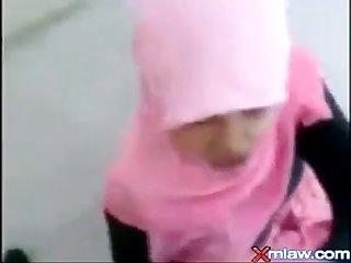 Cvpulsa com jilbab malaysia ke enakan