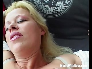 Blonde sexy milf on a first date fuck