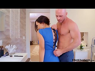 Beautiful MILF Lisa Ann fucks Johnny Sins and cumshot
