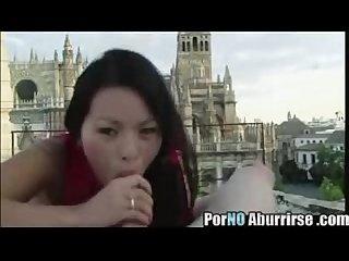 Japinha gostosa fudendo em publico