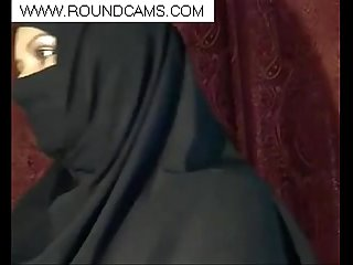 Muslim girl flashing www period roundcams period com