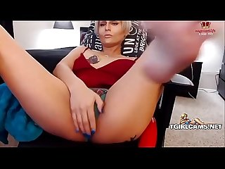 Elegant blonde tranny shows feet - tgirlcams.net