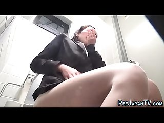 hairy japanese ho pisses