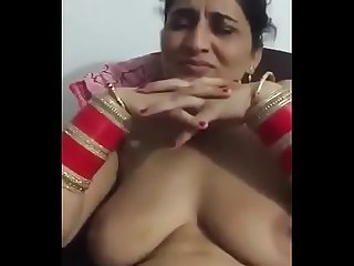 Desi Aunty showing boobs and pussy