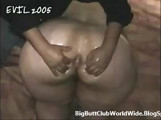 MEGA BOOTY BBW OIL MASSAGE