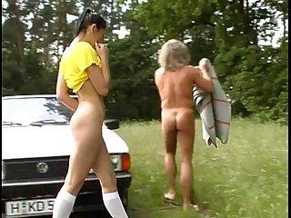 Teen outdoor threesome