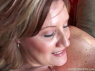 Big beautiful Old spunker fucks her soaking wet pussy