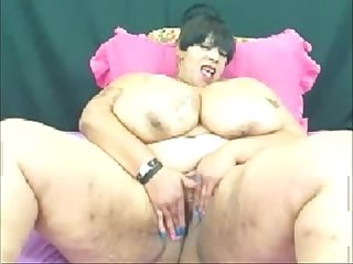 Big ass mature on webcam see more at faporn69 com