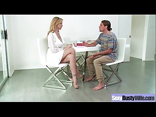 Mature Wife With Round Big Tits Love Sex On Tape (julia ann) movie-15
