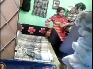 Paki sexy nebaor father and young girl fucking for money