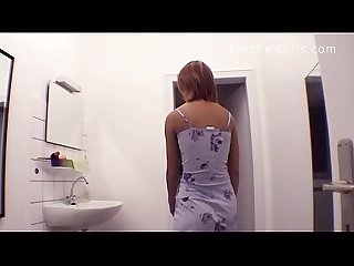 Dreckige prostituierte sperma eimer kriegt feine teen hure kirsche starkgefickt