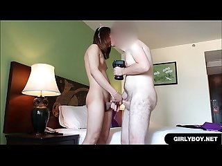 Kathoey Loves Sucking White Cock