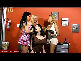 Tranny ladies are stroking each others shecocks in foursome