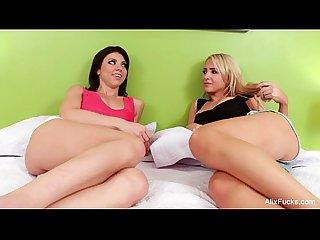 Alix lynx lesbian massage
