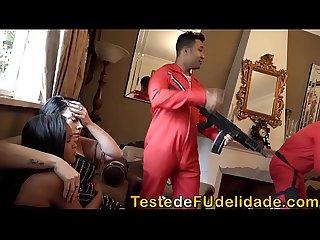 Loupan fodendo a ninfeta Barbara Alves na casa de Raquel