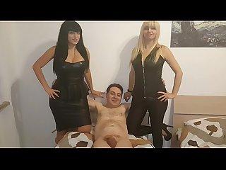 Andrea dipr tenta di scopare due mistress Kelly E lara von lush