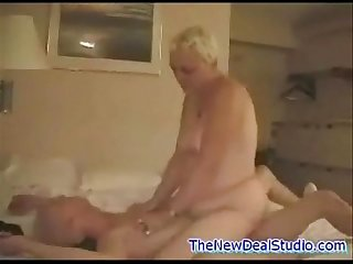 Older woman and younger guy Fuck