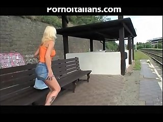 Masturbates outdoors for the dirty old man bionda scopata alla stazione