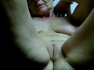 Masturbating slut granny untill orgasm amateur older