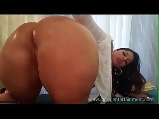 Spicy j big ass on webcam