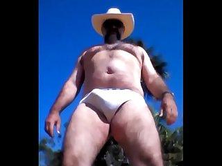 Cowboy batendo Punheta