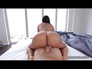 Thick booty of busty latin brunette lela star