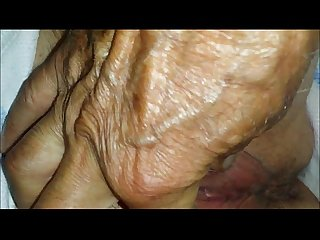 Amateur granny pussy closeup