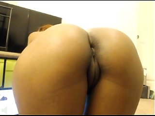 Beautiful Slim Girl Shows her Booty for all to see