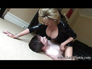 lady sonia G vú Smothered