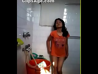 Desi Hot girl nude in bathroom showing to bf